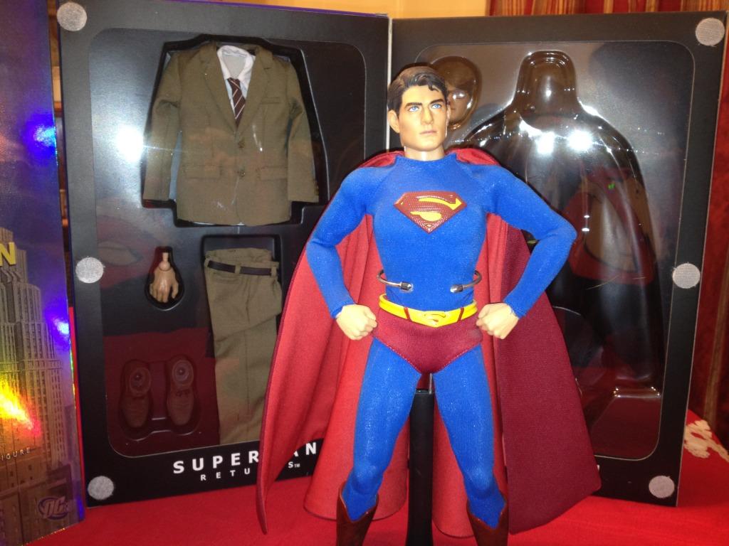 Hot Toys Superman Returns 2 in 1 and 1st Release Joker for