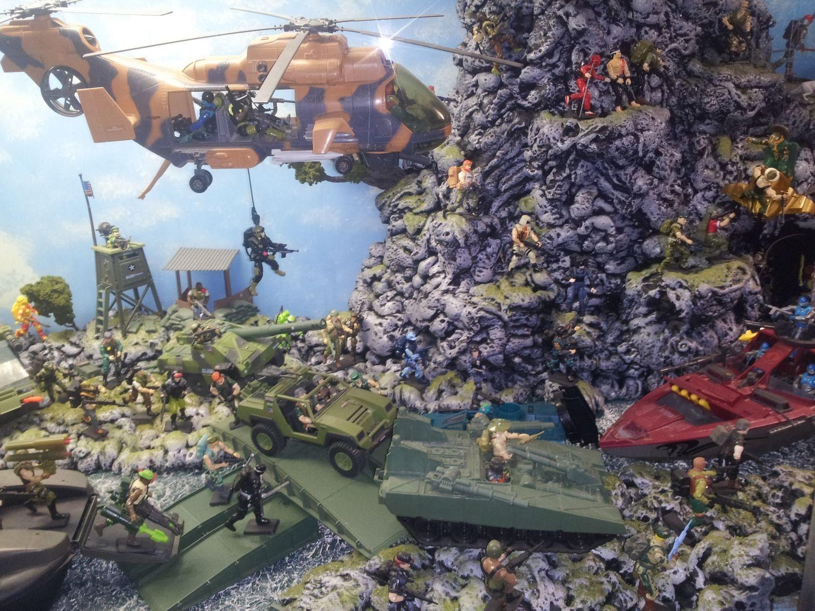 my personal 14 foot custom diorama display - HissTank com