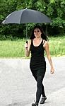 Live Action G.I. Joe Movie Sienna Miller As The Baroness Set Images-s-miller-onset.jpg